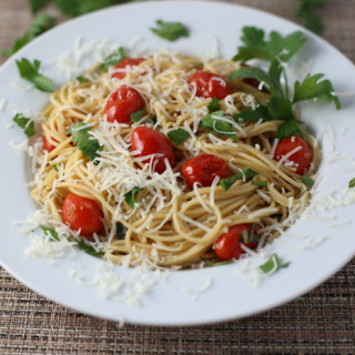 Pan Roasted Tomatoes and Garlic Pasta