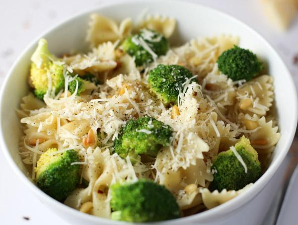 Broccoli Bowtie Pasta | Tabs & Tidbits