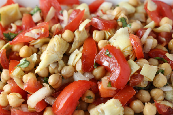 Chickpea,Tomato, Onion and Artichoke Salad
