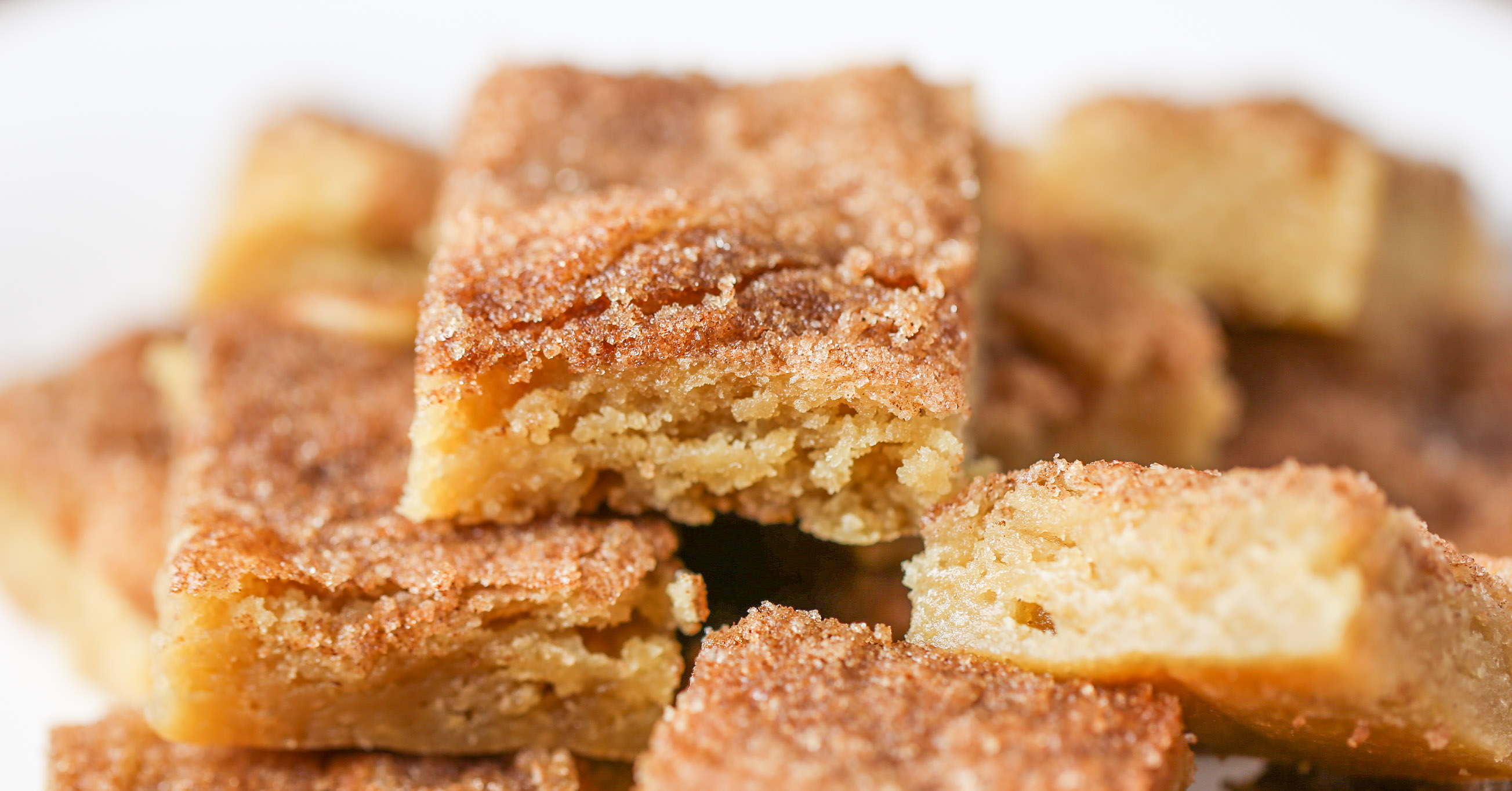 Cinnamon Sugar Blondies
