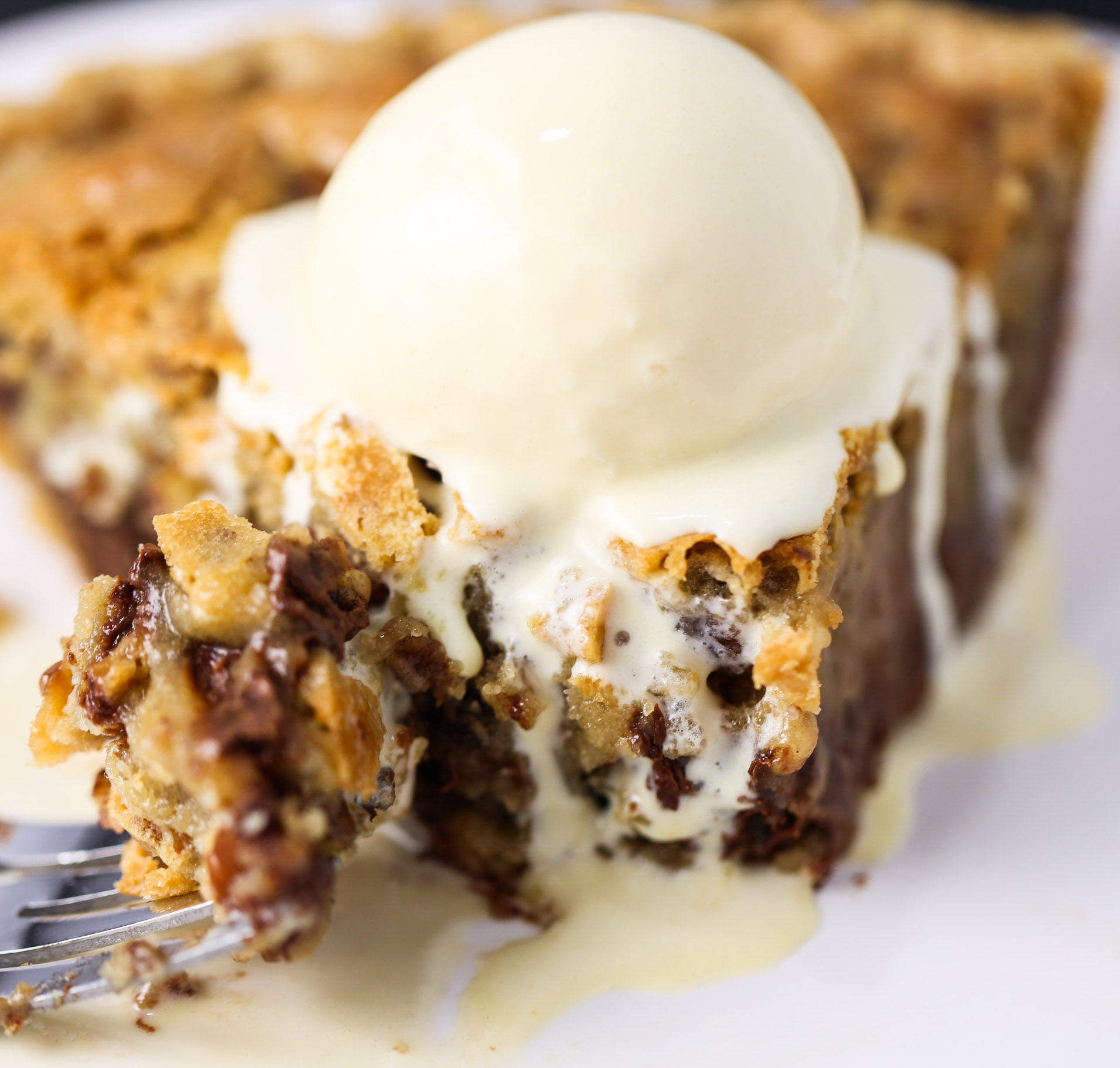 Chocolate Chip Cookie Pie | Tabs & Tidbits