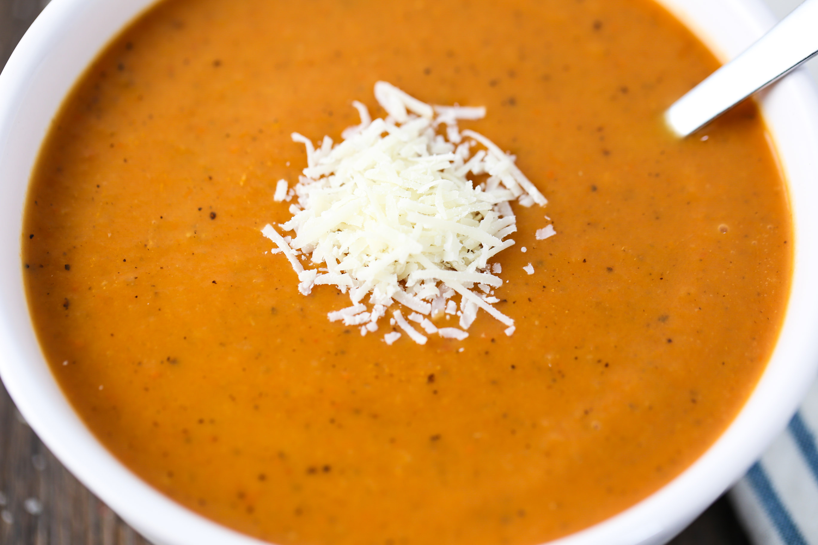 Slow Cooker Roasted Tomato Bisque
