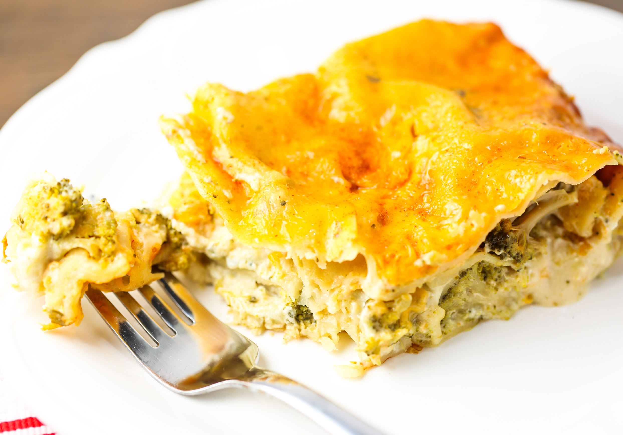 Slow Cooker Broccoli Cheddar Lasagna