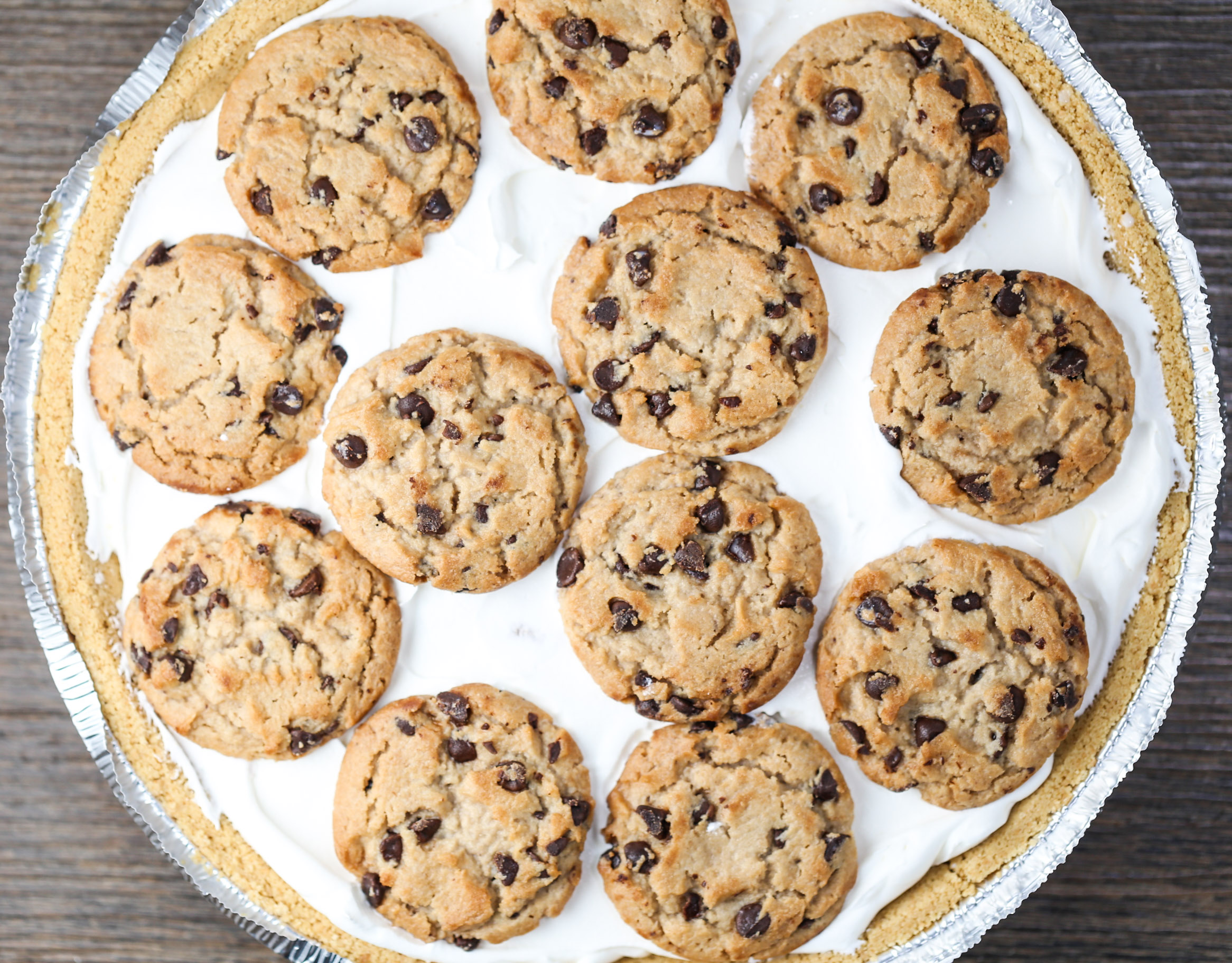 Easy No Bake Chocolate Chip Cookie Pie